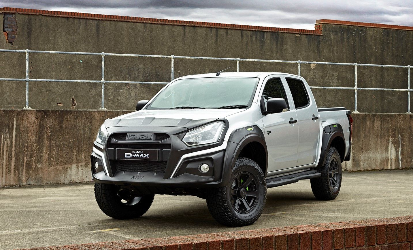 INTRODUCING THE D-MAX XTR...